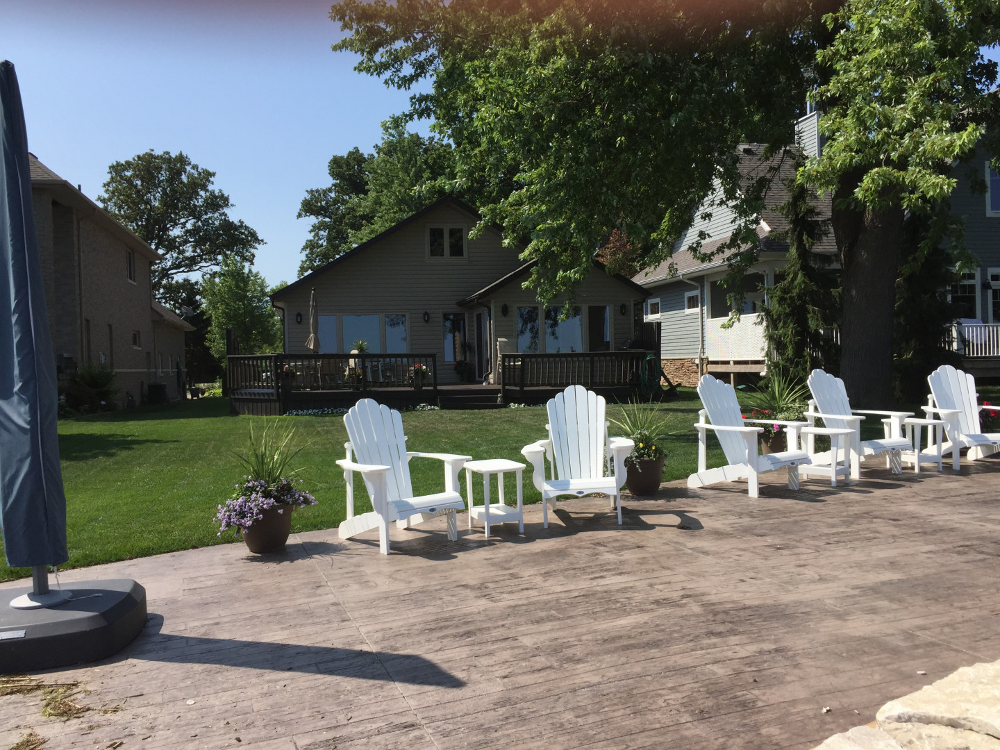337 Lakeview Dr, Belle River Home For Sale!