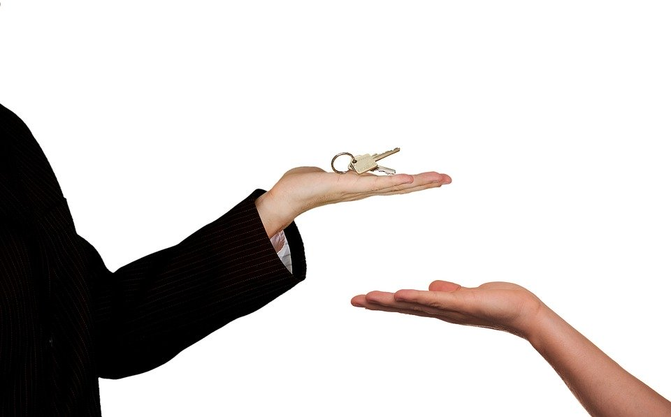 Why You Should Choose a Local REALTOR® When You Buy a Home